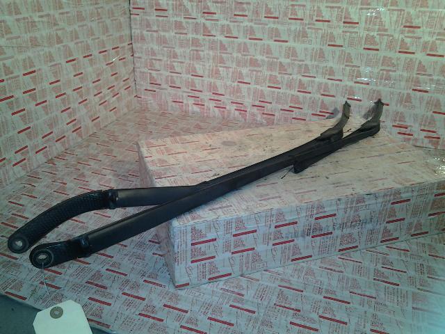 bras essuie glace avant renault laguna ii phase 1 diesel. Black Bedroom Furniture Sets. Home Design Ideas