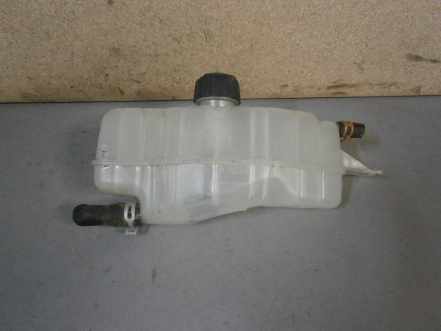 vase d expansion clio 3 mouvement uniforme de la voiture. Black Bedroom Furniture Sets. Home Design Ideas