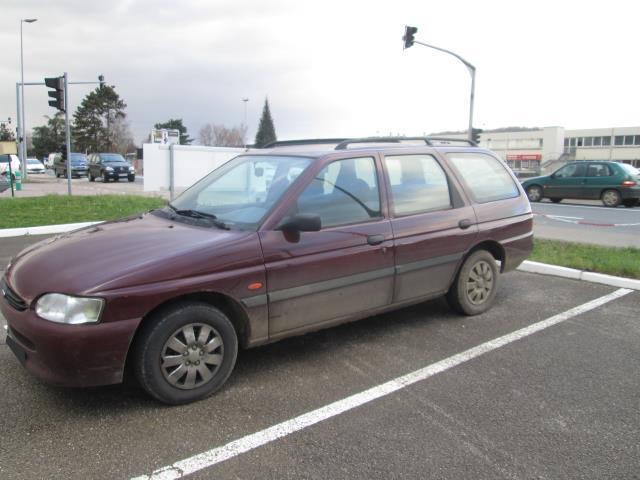 Vehicule-FORD-ESCORT-1995-ESCORT-CLIPPER-1995--1-3-1995-cfa3083f36bfc02d9c88006a9700e4eb52a63620f15c933a07e55b5980a9db6e