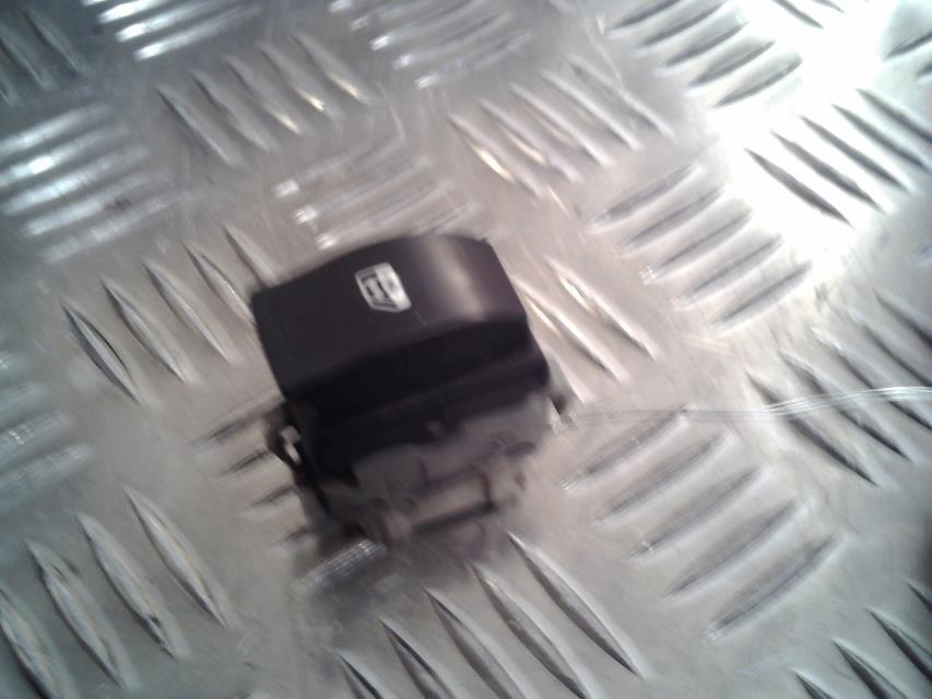 interrupteur de leve vitre renault megane ii. Black Bedroom Furniture Sets. Home Design Ideas
