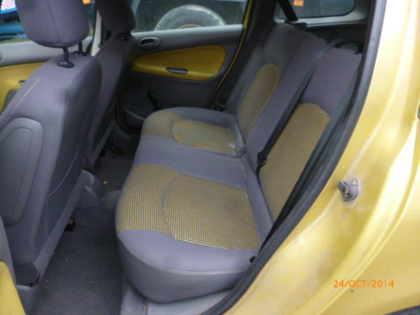 Poignee interieur arriere droit peugeot 206 diesel for Interieur 806