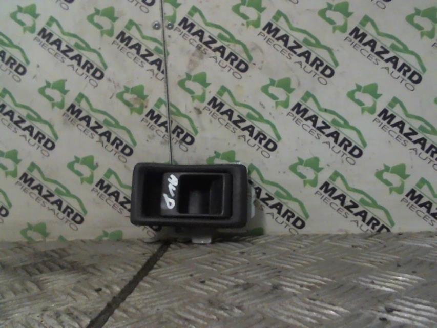 Reservoir land rover defender 90 station wagon diesel for Interieur defender 90