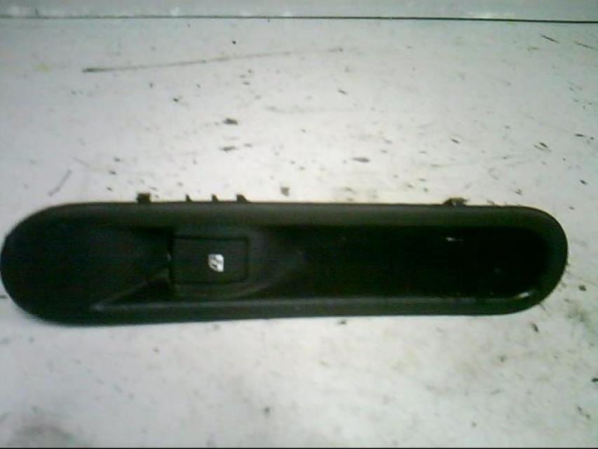 interrupteur de leve vitre avant droit renault espace iv phase 1 diesel. Black Bedroom Furniture Sets. Home Design Ideas