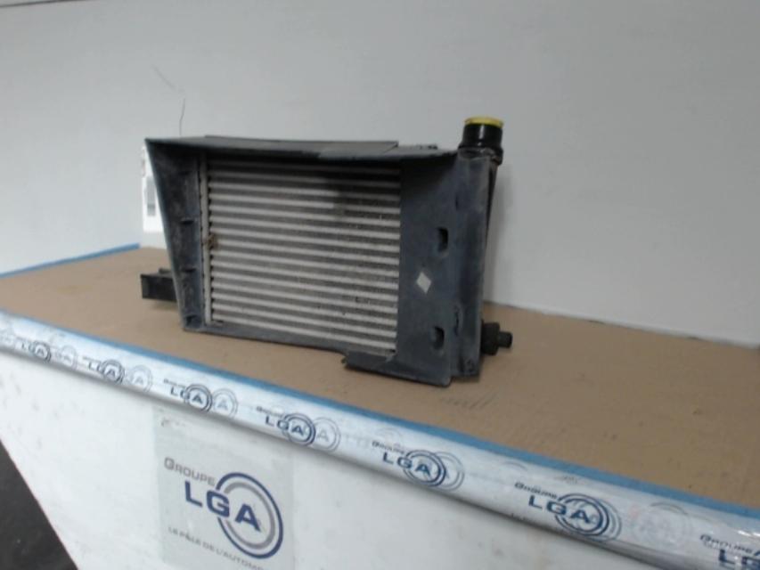 echangeur air intercooler dacia dokker van diesel. Black Bedroom Furniture Sets. Home Design Ideas