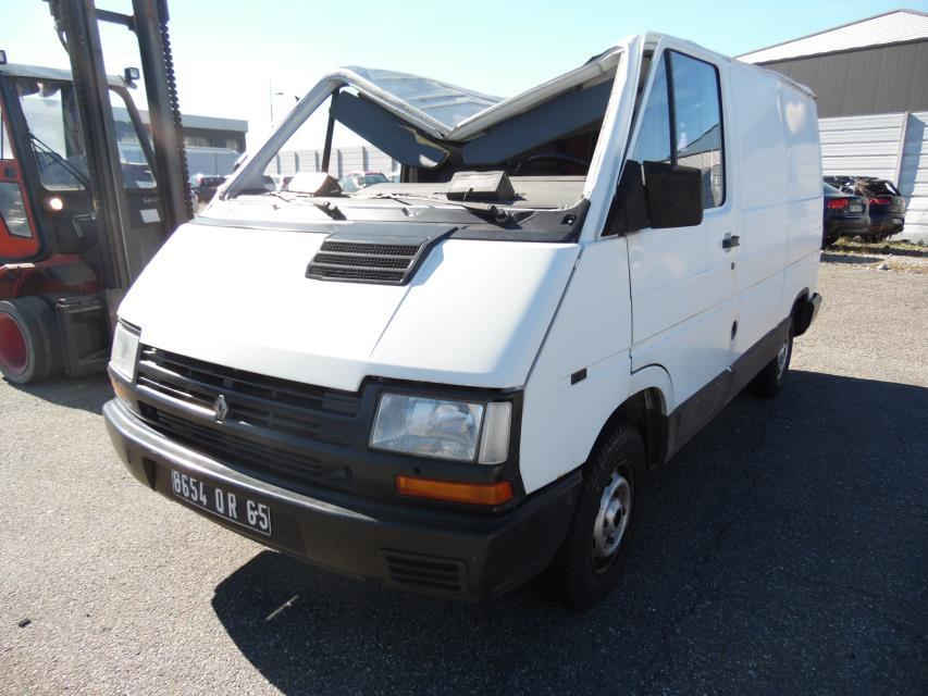 pare choc arriere renault trafic fourgon phase 2 diesel. Black Bedroom Furniture Sets. Home Design Ideas