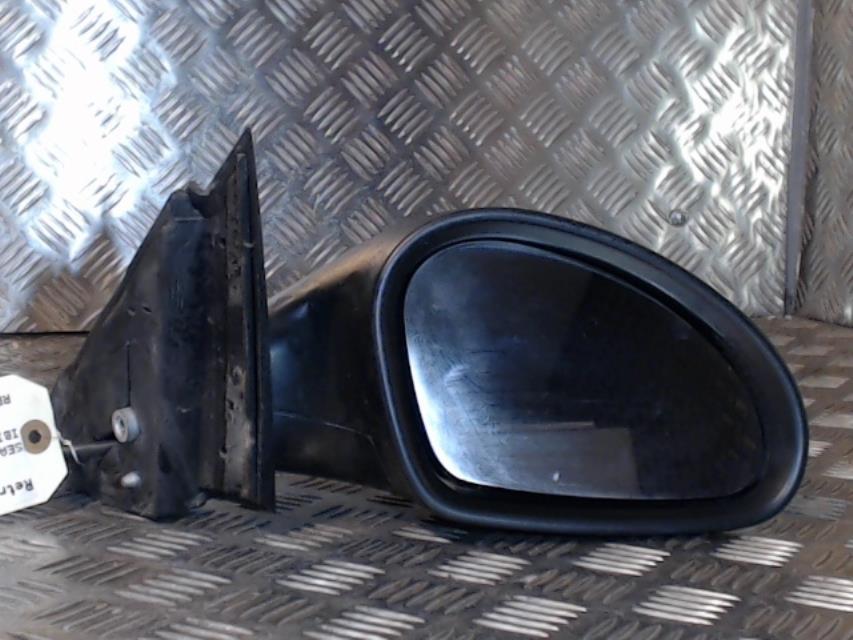 feu arriere secondaire gauche feux seat ibiza iii diesel. Black Bedroom Furniture Sets. Home Design Ideas