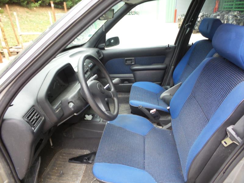 Poignee interieur arriere gauche peugeot 106 phase 2 essence for Interieur 106