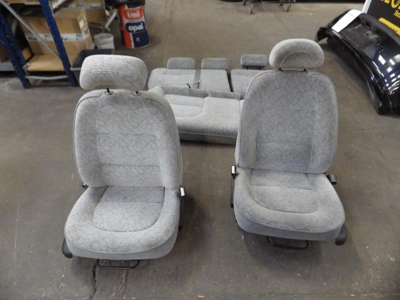 Interieur complet peugeot 406 break phase 1 for Interieur 406 phase 2