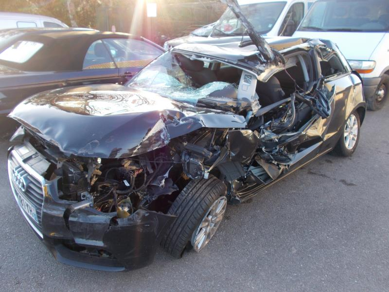 Tarif E-tron made in Germany ! Vehicule-AUDI-A1-PHASE-1-1-6-2011-d451bf019b9611105e54e3f667e4d95a88052d4ff435194c388e8cb3c88717e2