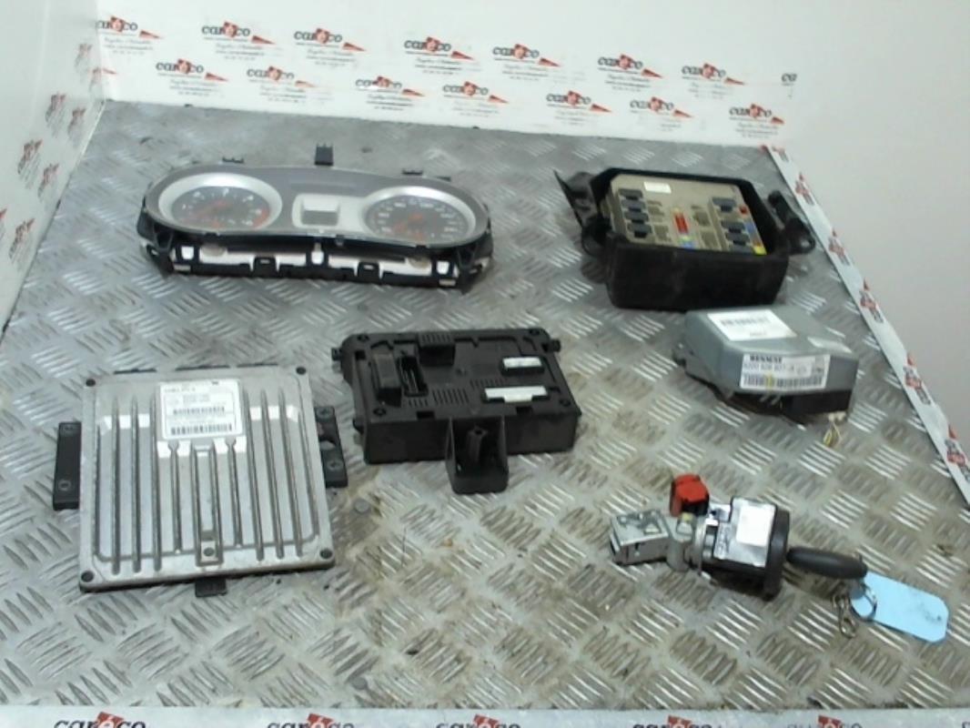 kit de demarrage d 39 occasion pour renault clio iii. Black Bedroom Furniture Sets. Home Design Ideas