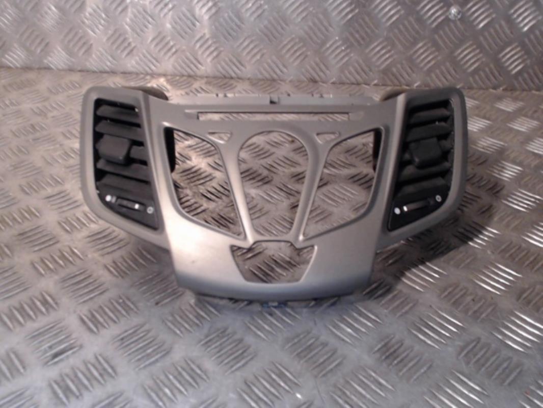 aerateur tableau de bord central ford fiesta vi diesel. Black Bedroom Furniture Sets. Home Design Ideas