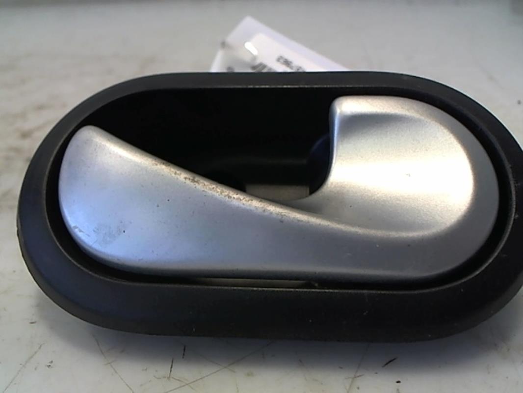 Eclairage de plaque dacia sandero ambiance diesel for Interieur dacia sandero