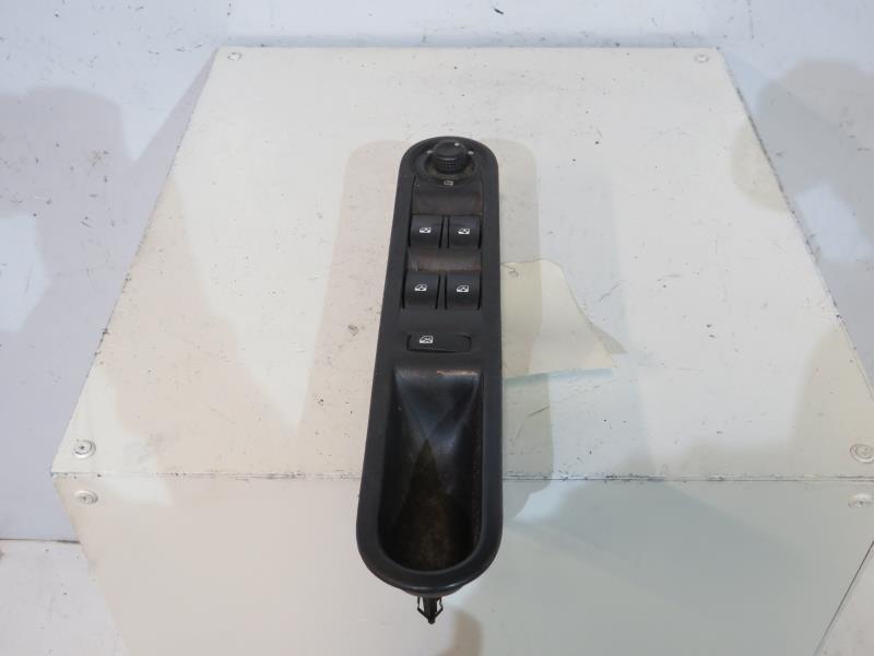 interrupteur de leve vitre avant gauche renault grand espace iv phase 1 diesel. Black Bedroom Furniture Sets. Home Design Ideas