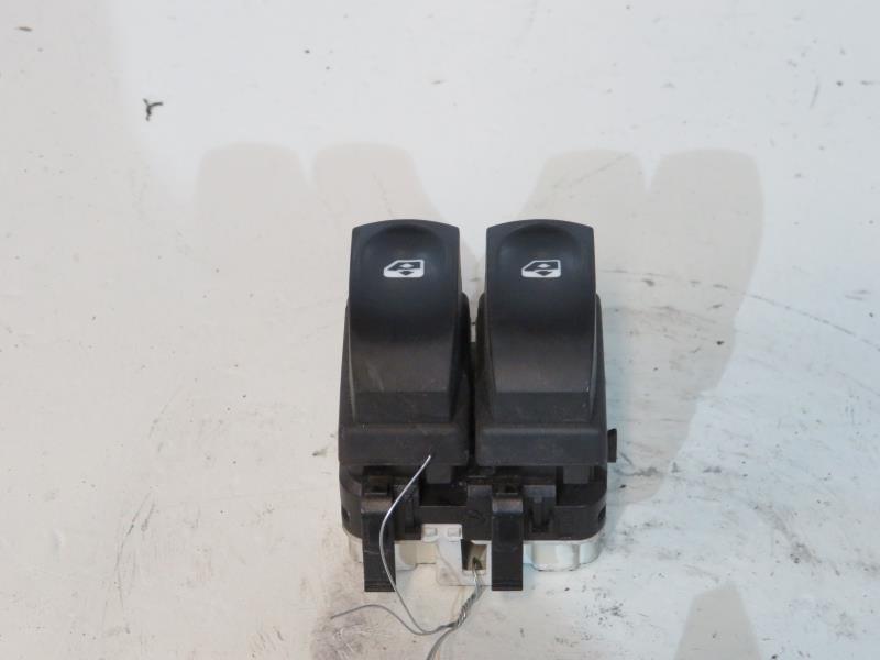 interrupteur de leve vitre avant gauche renault modus phase 1 diesel. Black Bedroom Furniture Sets. Home Design Ideas