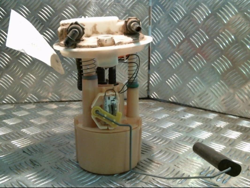 pompe immergee renault clio ii phase 1 essence. Black Bedroom Furniture Sets. Home Design Ideas