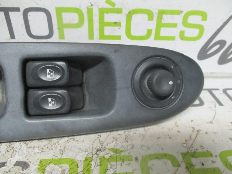 interrupteur de leve vitre avant gauche renault clio ii phase 1 diesel. Black Bedroom Furniture Sets. Home Design Ideas