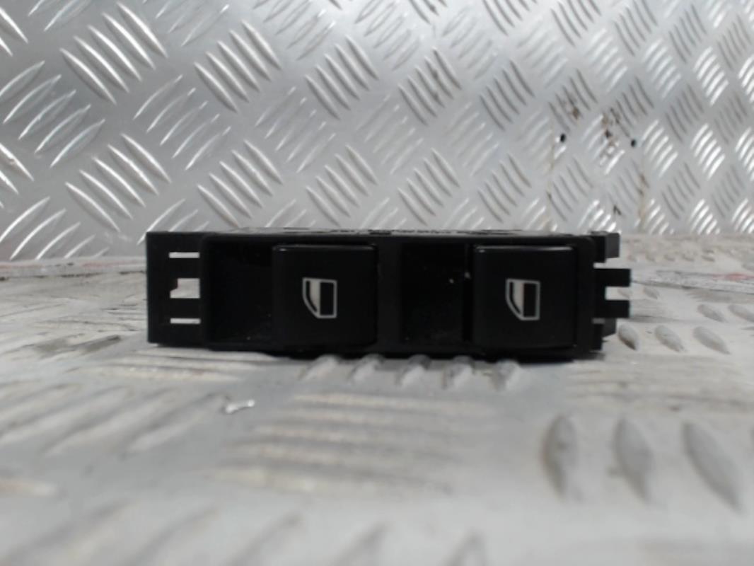 interrupteur de leve vitre avant droit bmw serie 3 e46 gasoil. Black Bedroom Furniture Sets. Home Design Ideas