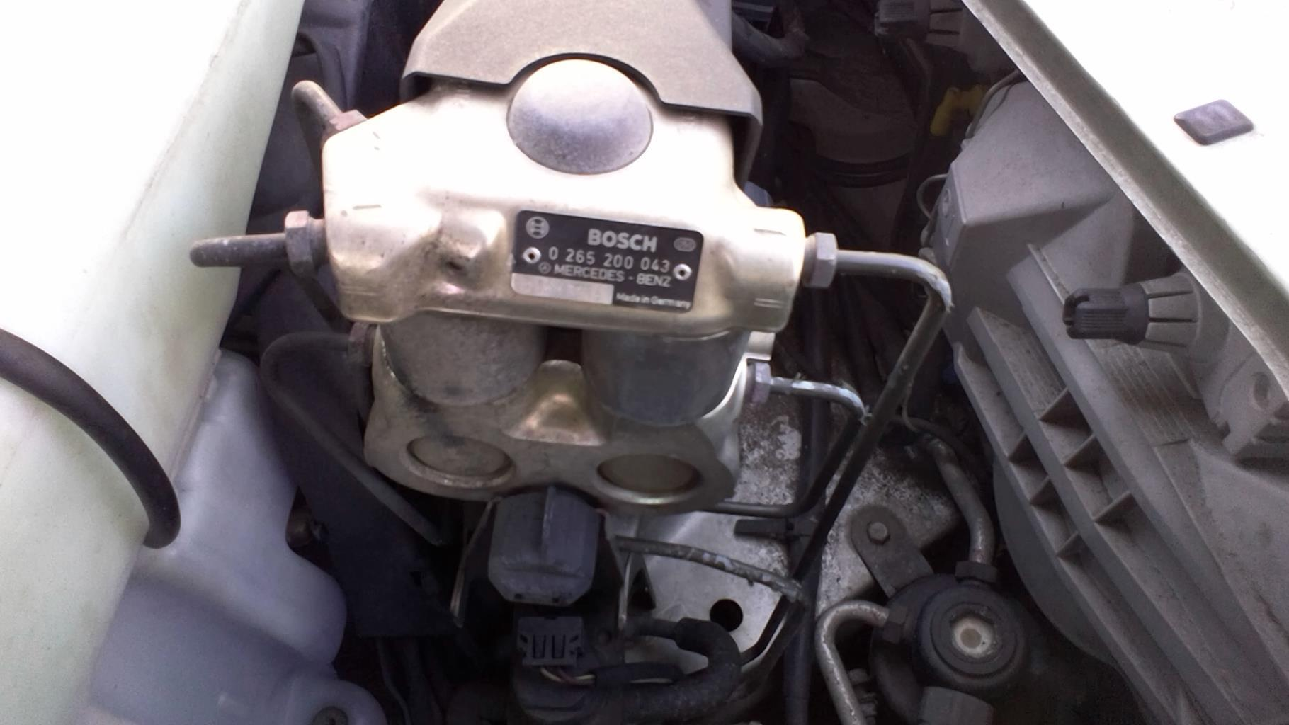 Bloc ABS (freins anti-blocage) MERCEDES CLASSE C - BM 202 PHASE 1 Essence