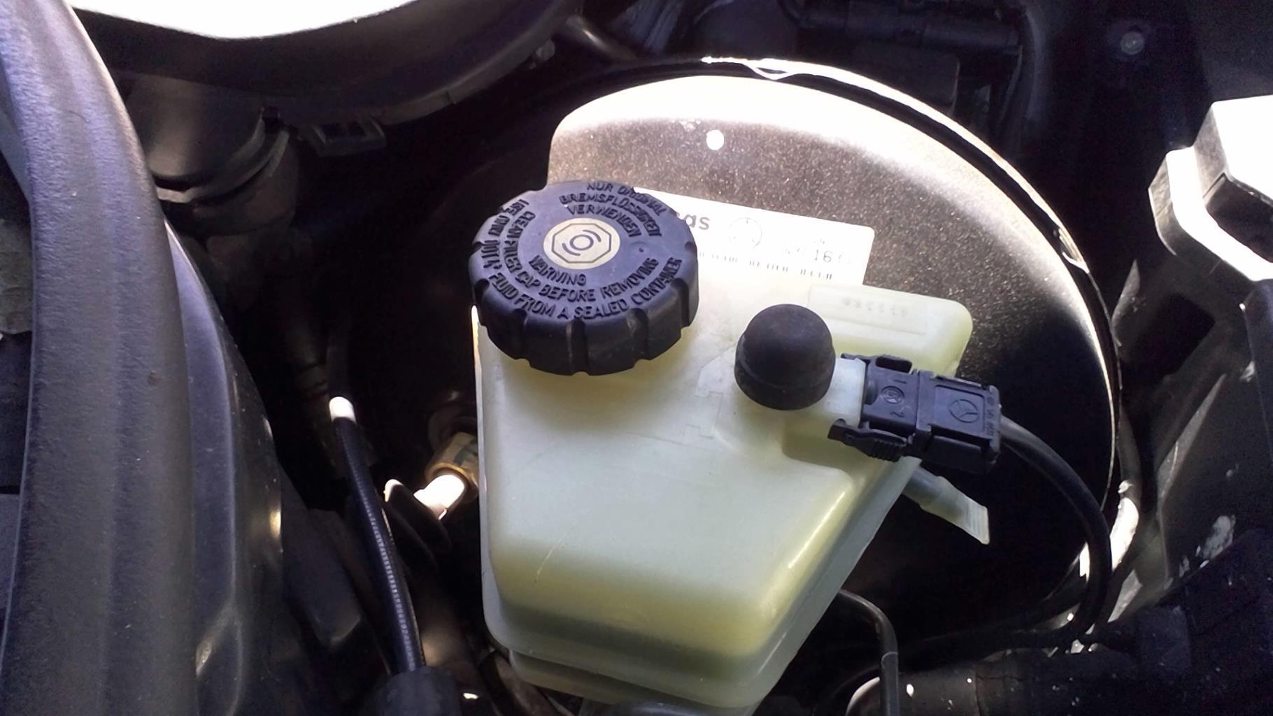 Maitre cylindre (freinage) MERCEDES CLASSE C - BM 202 PHASE 1 Essence