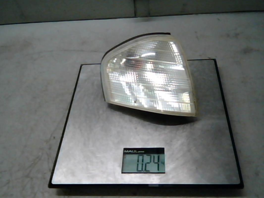Optique avant secondaire droit (feux)(clignotant) - MERCEDES - CLASSE C  BREAK - BM 202 PHASE 1 ca69bcc2c884