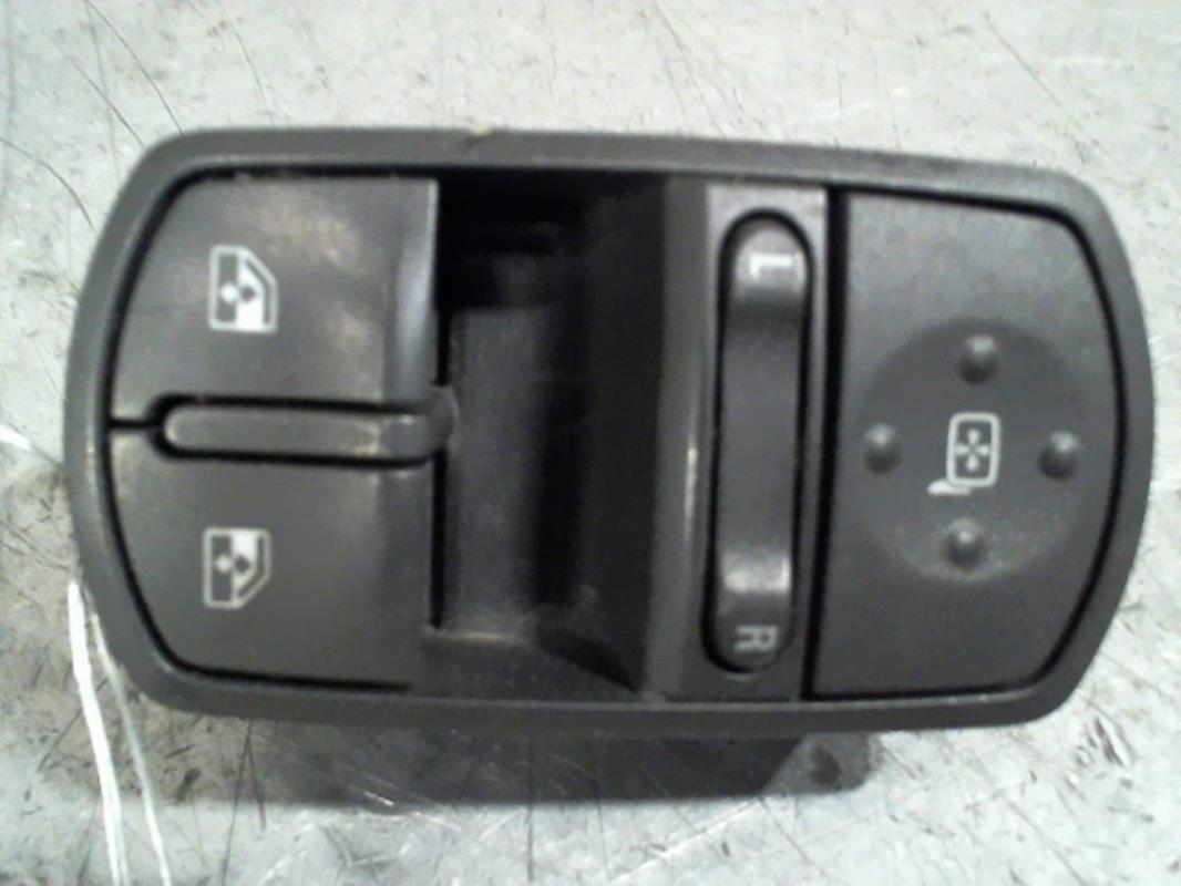 Interrupteur de Lève Vitre avant gauche Opel Tigra