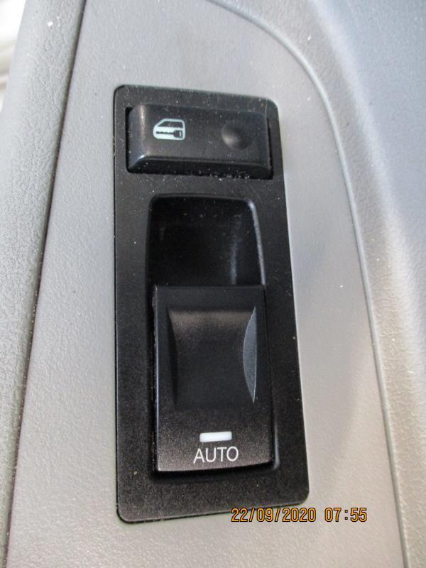 Interrupteur de leve vitre avant droit CHRYSLER 300C PHASE 1 Diesel
