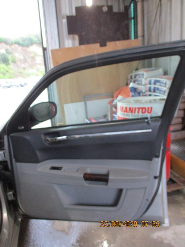 Leve vitre electrique avant droit CHRYSLER 300C PHASE 1 Diesel