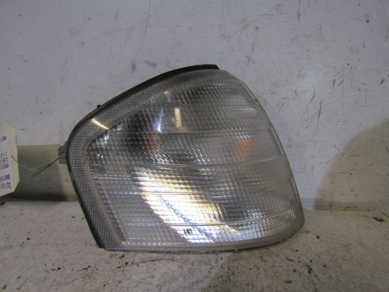 Optique avant secondaire droit (feux)(clignotant) MERCEDES CLASSE C - BM 202 896e58b1b85c