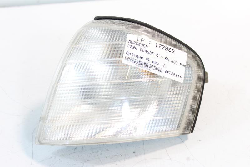 Photo pièce auto. Optique avant secondaire gauche MERCEDES CLASSE C - BM  202 PHASE 1 427d5007ebd0