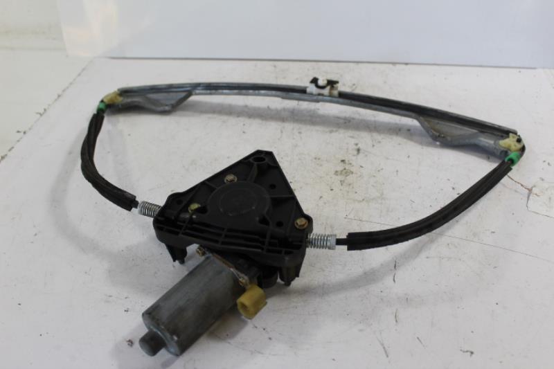Leve vitre electrique avant droit RENAULT CLIO II PHASE 1 Essence