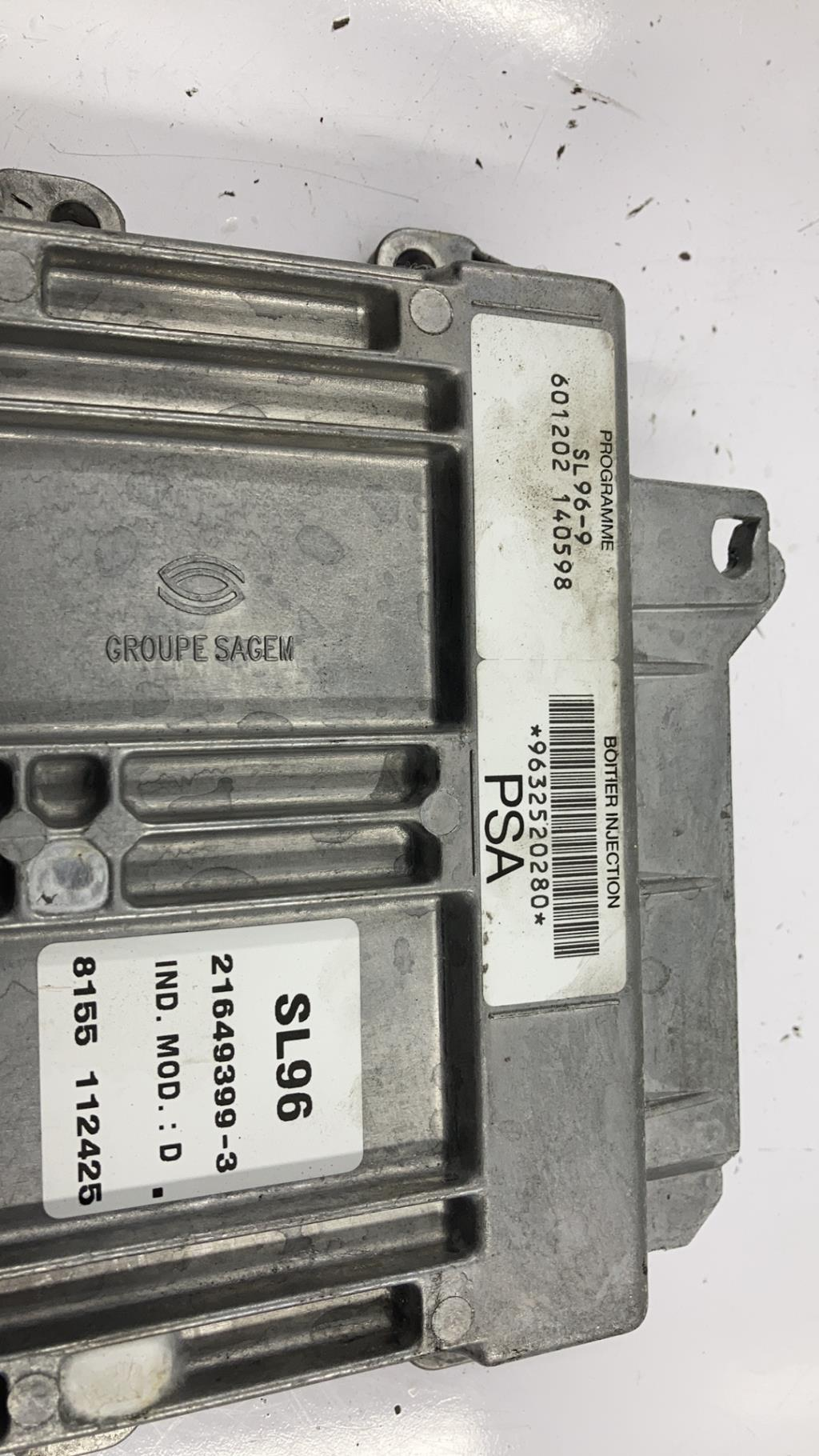 Calculateur PEUGEOT 306 PHASE 2 Essence