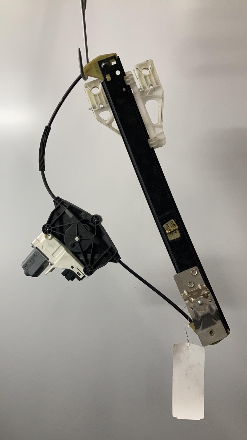 Leve vitre electrique arriere droit AUDI A4 3 PHASE 1 Diesel