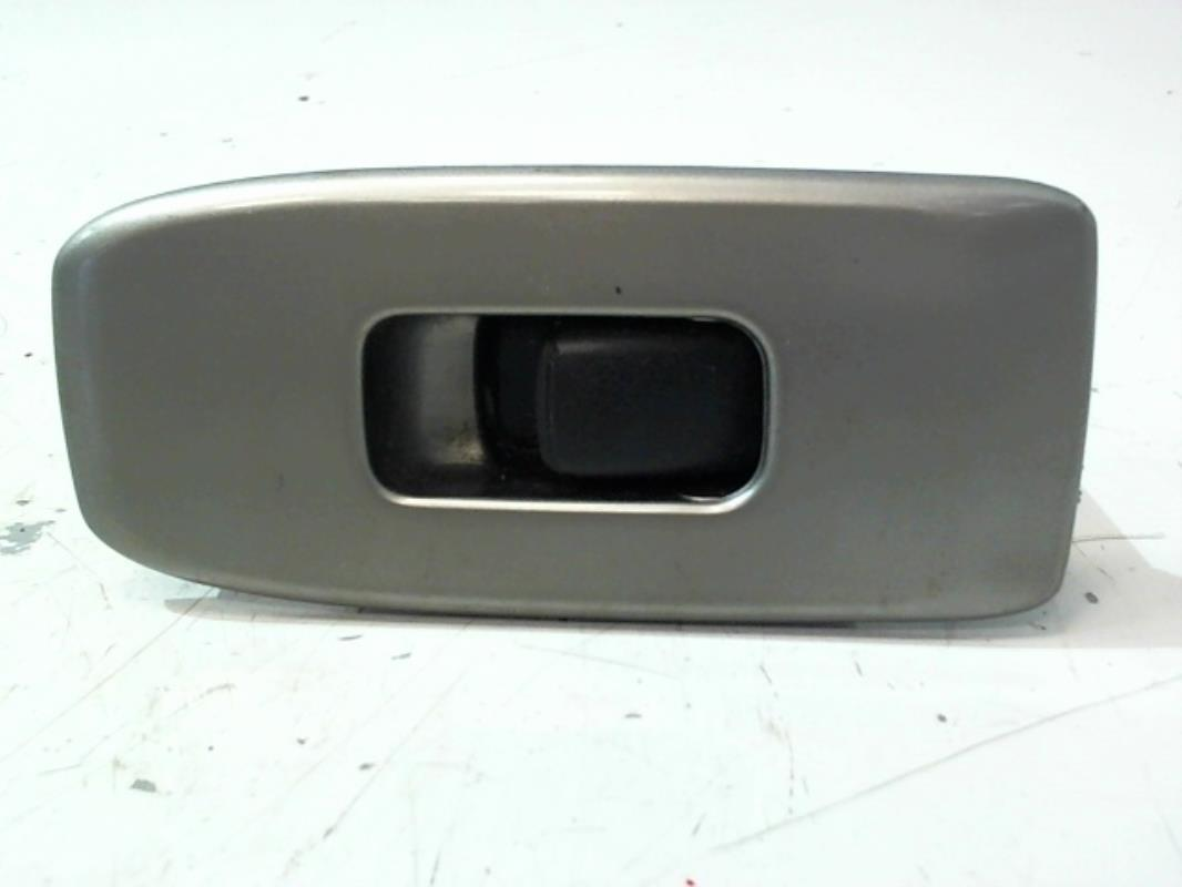 Interrupteur de leve vitre avant droit MITSUBISHI PAJERO III BREAK COURT Diesel