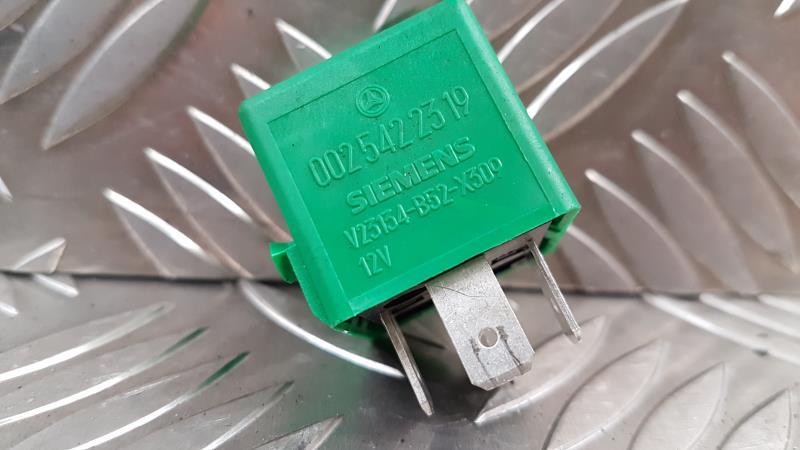 Relais electrique MERCEDES CLASSE A (168) PHASE 2 Diesel
