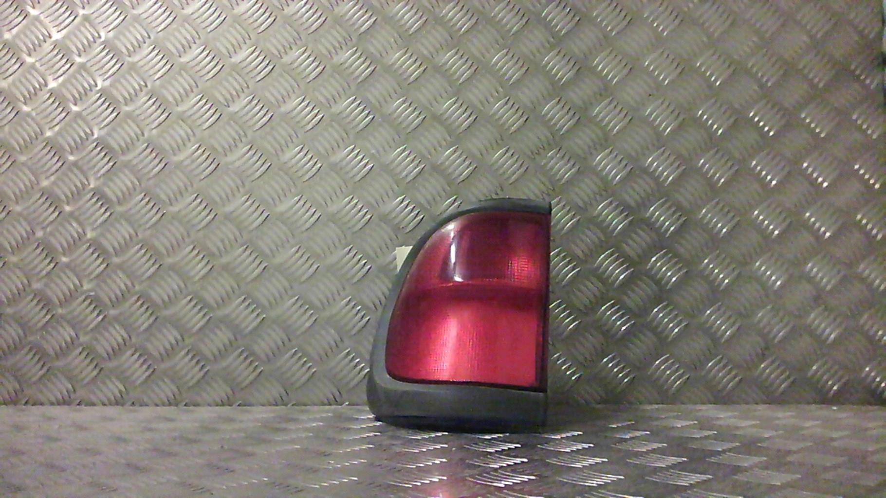 Feu arriere principal gauche (feux) NISSAN TERRANO II PHASE 4 Diesel
