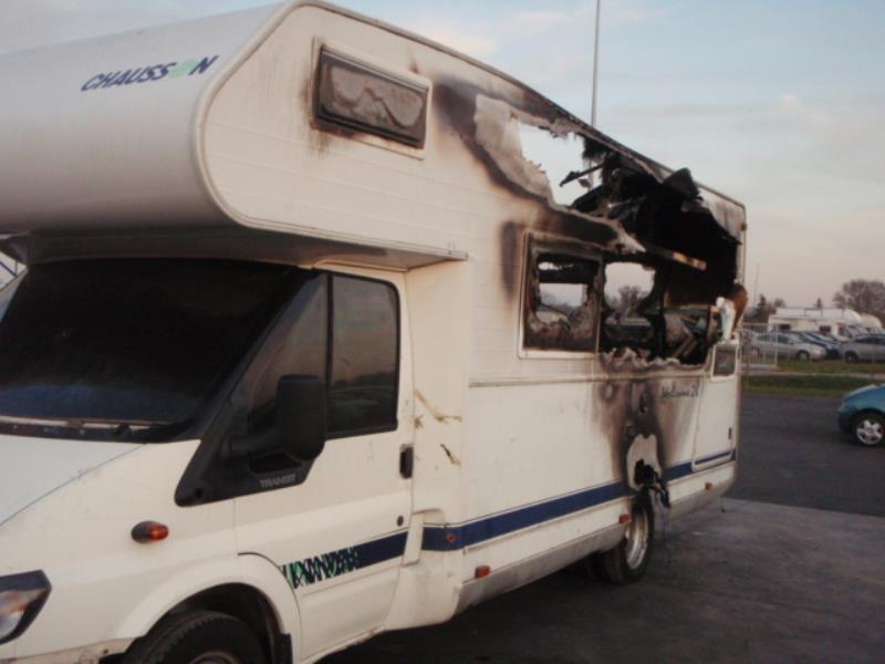 feu arriere principal gauche feux ford transit diesel. Black Bedroom Furniture Sets. Home Design Ideas