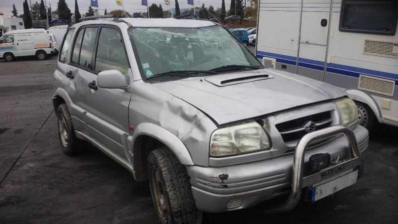 Attache ceinture avant droit SUZUKI GRAND VITARA Diesel e886d8f46de